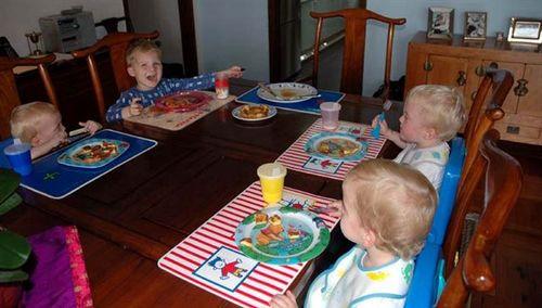 Family breakfast time!