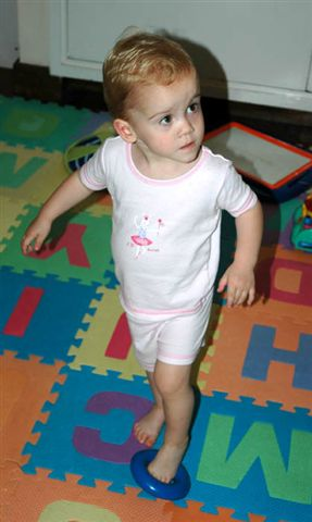 Sela dancing to The Wiggles!